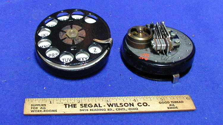 Vintage Telephones (pg5a.htm) on