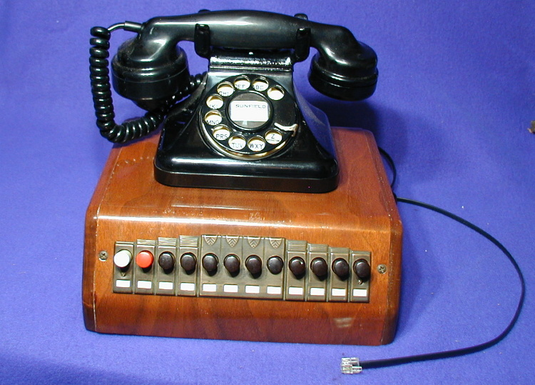 Vintage Telephones (pg5c.htm) on