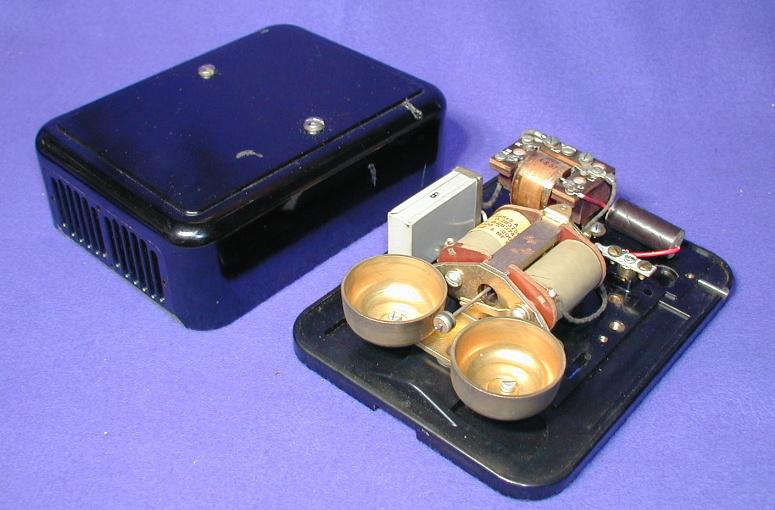 Vintage Telephones (pg5c.htm) on