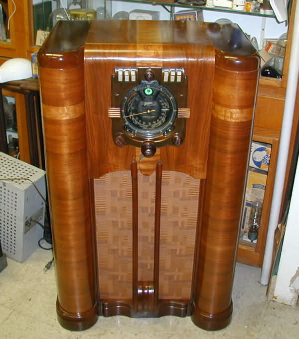 Vintage Radios 1920's to 1950's - Vintage Radios (pg6.htm) - Antique Cabinet.  Antique Radio Cabinet For Sale ... - Antique Radio Cabinet For Sale Antique Furniture